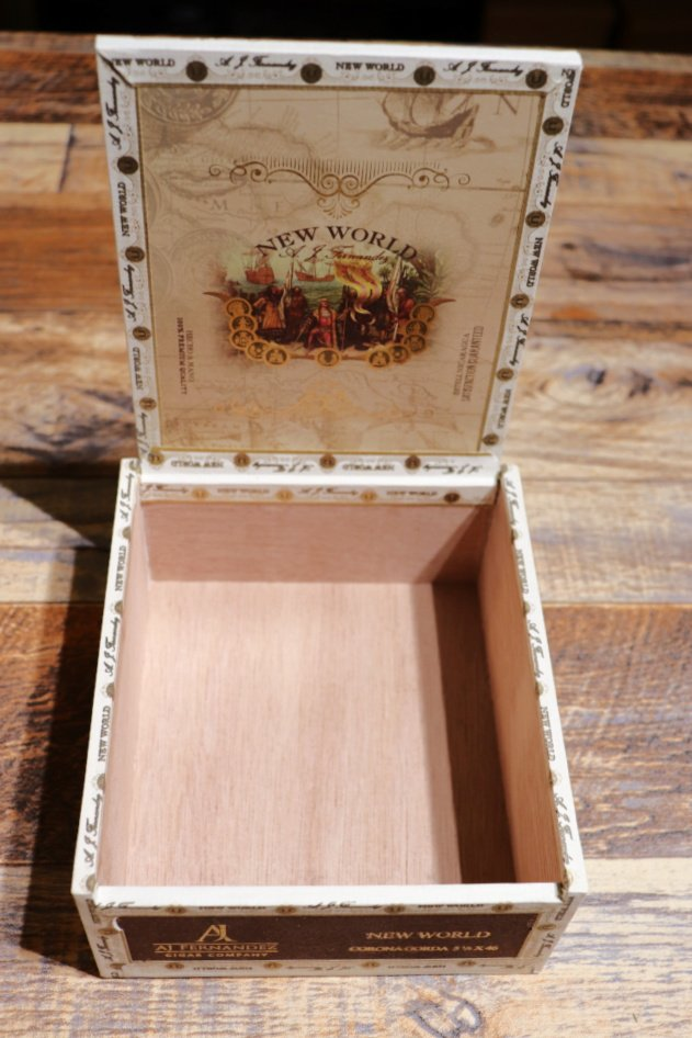 Open Cigar Box - Decorating with Shells